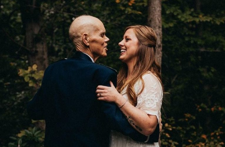 Bride trades engagement photoshoot to take pictures with her dying father instead