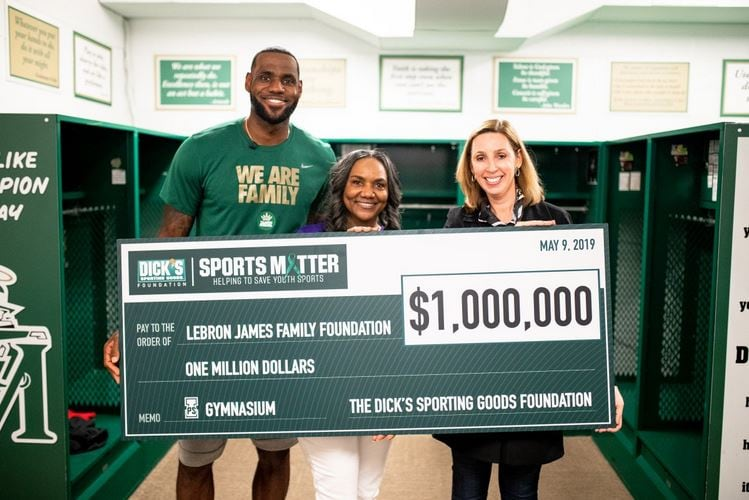 LeBron James surprises hundreds of students with $1 million check for new gym