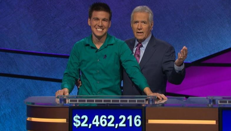 'Jeopardy!' champ James Holzhauer makes donation in Alex Trebek's name to Naperville pancreatic cancer walk