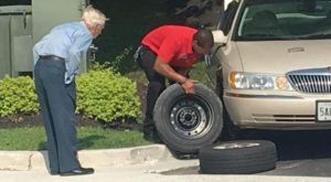 A 96-year-old WWII veteran came into a Chick-fil-A with a flat tire, so the manager rushed out to fix it