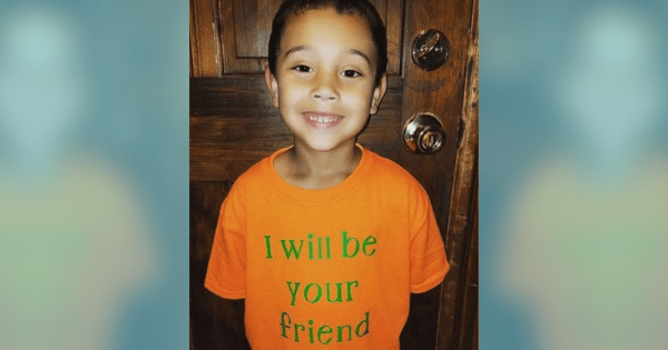 "Blake Rajahn had his mom make an ""I will be your friend"" shirt for bullied kids to know he's there for them"