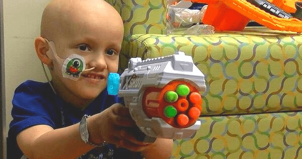 """Nurses Have Epic 'Nerf War' With 4-Year-Old Boy Who Has Brain Cancer - """"They Are Angels on Earth"""". Credit: Jeremy Esposito/Norton Children's Hospital"""