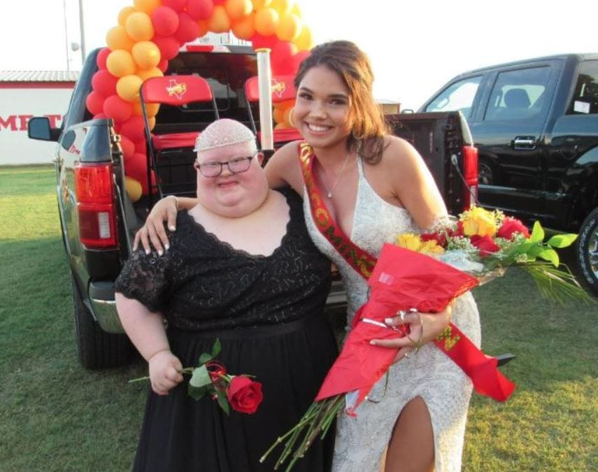 Homecoming queen shares title & crown with friend and fellow nominee who has Down syndrome.