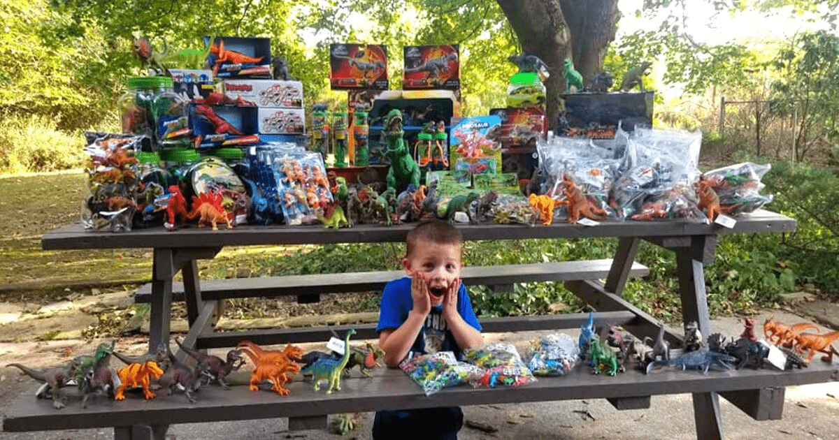 For his birthday, 5-year-old cancer survivor donates thousands of toys to children's hospital that saved his life. Credit: Amy Newswanger
