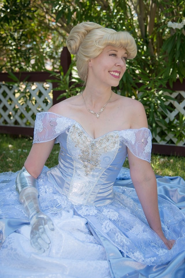 "Woman born missing her right arm wears glass prosthetic in magical Cinderella photoshoot - ""I felt like a real princess"""