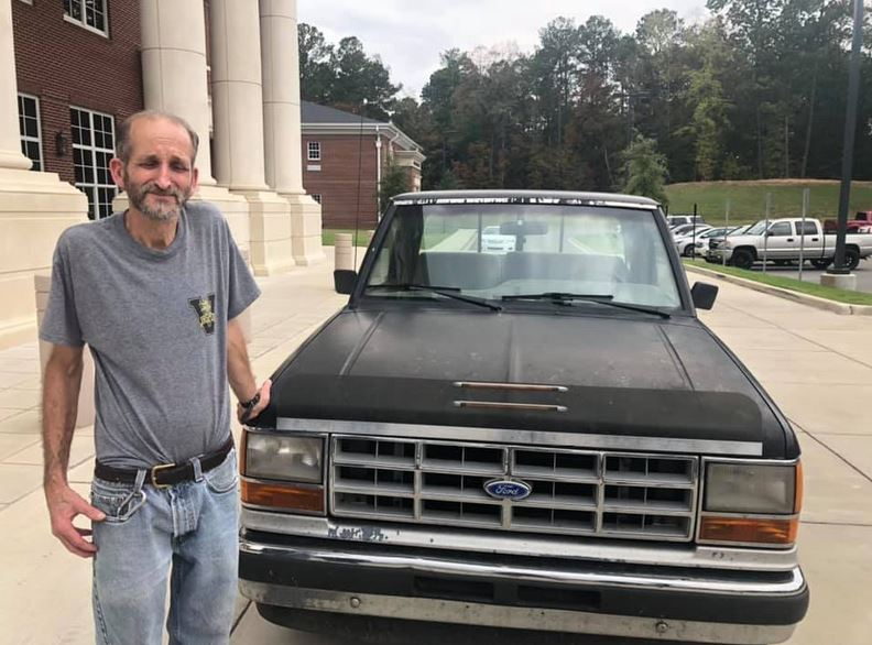 High school students raise over $13k to buy their janitor a new truck after seeing his in poor condition. Source: WIAT