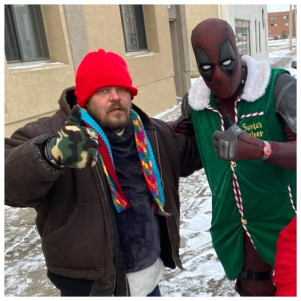This police officer spends his free time giving to the homeless and hospitalized children dressed as a superhero.