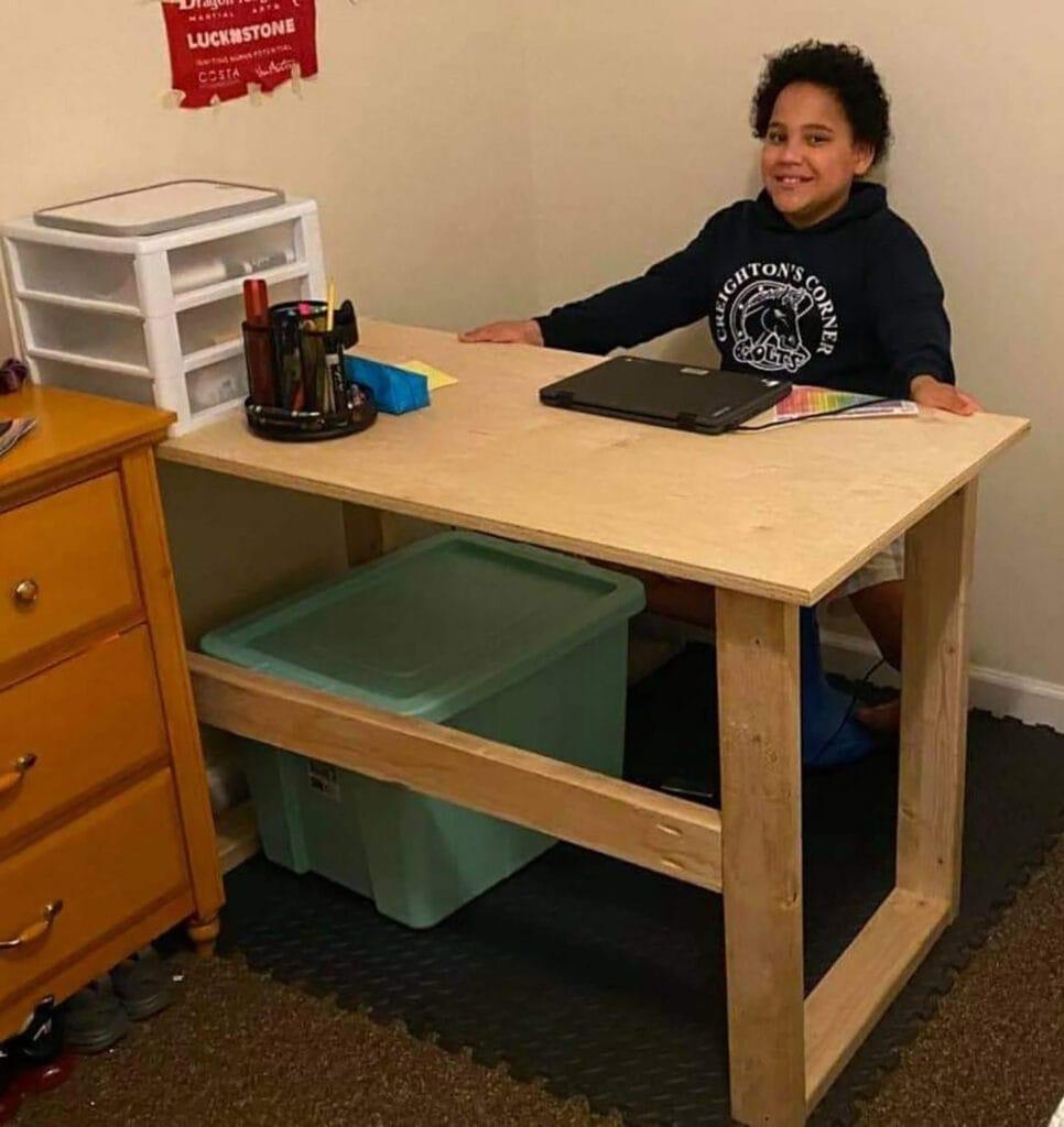 Shannon Van Es' son Xavier at his new desk.