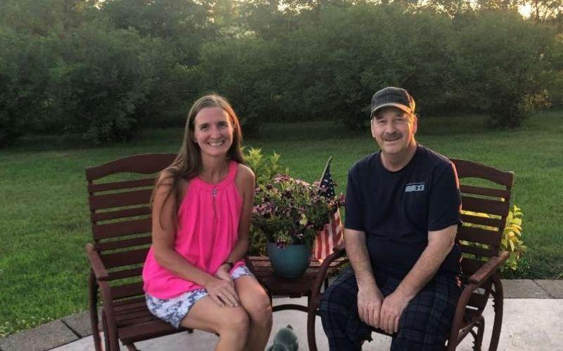 Minnesota 3rd grade teacher donates life-saving kidney to 64-year-old school custodian.